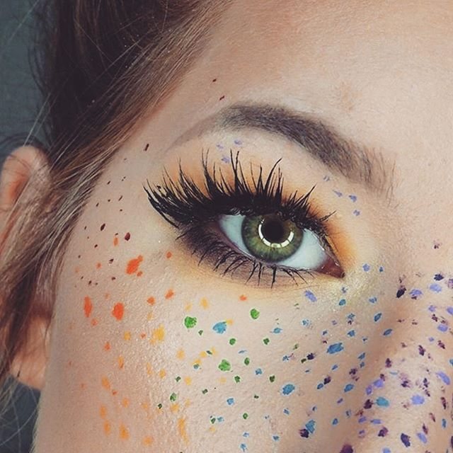 freckles face beaty trend