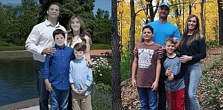 Family Photoshoot Fail That Made The Whole Internet Laugh