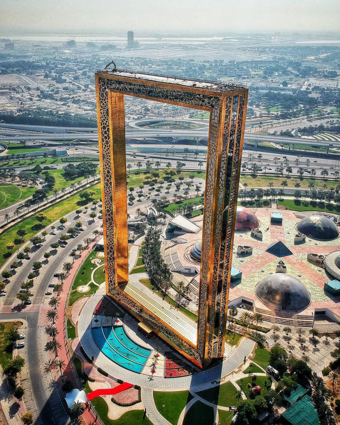 Dubai Adds Largest Picture Frame As It's Latest Tourist Attraction
